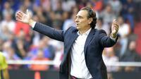 5. Cesare Prandelli - Pria berusia 60 tahun ini adalah manajer dengan segudang pengalaman. Ia pernah membawa timnas Italia menjadi runner-up Piala Eropa 2012. (AFP/Jose Jordan)