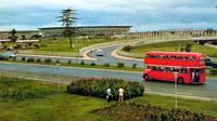 Bus tingkat PPD merek Leyland buatan Inggris 1968 yang beroperasi melayani trayek Blok M-Salemba-Pasar Senen tahun 1968 sampai 1982. Foto ini diambil tahun 1971 saat bus melewati kawasan Semanggi. (Ist)