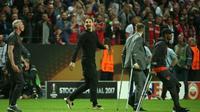 Meski sedang cedera, Zlatan Ibrahimovic, Luke Shaw, dan Ashley Young ikut merayakan keberhasilan Manchester United menjuarai Liga Europa 2016-2017. (AFP/Soren Andersson)