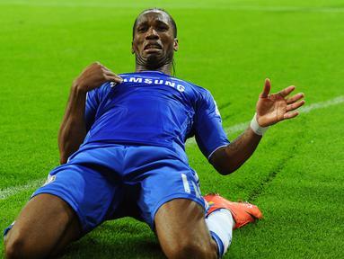 Didier Drogba - Legenda Timnas Pantai Gading ini dianggap sebagai salah satu bomber terbaik yang pernah dimiliki Chelsea. Dia menjadi bagian dari sejarah The Blues ketika meraih gelar Liga Champions pertama klub pada musim 2011/2012. (Foto: EPA/Thomas Eisenhuth)