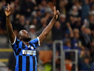 Romelu Lukaku kembali bersinar di musim 2019-2020. Lukaku seperti terlahir kembali di Inter Milan setelah tampil melempem di Premier League bersama Manchester United. (AP/Antonio Calanni)
