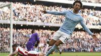Pemain Manchester City, Leroy Sane mencetak satu gol dan satu assist saat melawan Stoke City pada Premier League di Etihad Stadium, Manchester, (14/10/2017). Manchester City menang telak 7-2. (AFP/Oli Scarff)