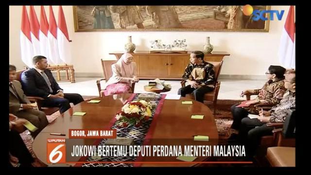 Presiden Jokowi bertemu Deputi Perdana Menteri Malaysia Wan Azizah Wan Ismail bahas persoalan TKI.