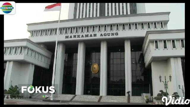 Alasannya, dalil yang diajukan Prabowo-Sandi tidak tepat untuk dipersoalkan melalui sengketa pelanggaran administrasi pemilihan umum.