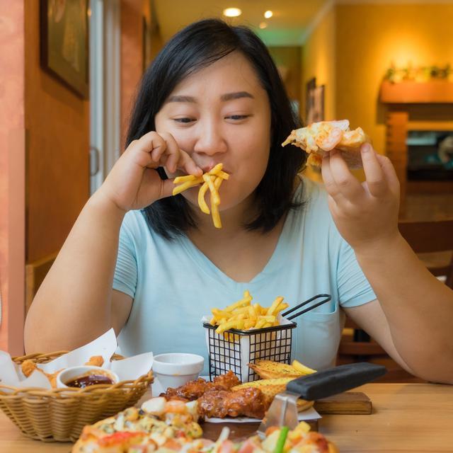 7 Pola Makan Yang Bikin Gemuk Hindari Ya Lifestyle Fimela Com
