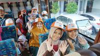 PT Bank Negara Indonesia (Persero) Tbk (BNI) menggelar berbagai program mudik bersama bagi santri Pondok Pesantren. Liputan6.com/Septian Deny
