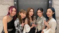 Secret Number usai tampil di Asia Artist Awards 2020. (dok. Instagram @secretnumber.official/https://www.instagram.com/p/CIIn5WoHX78/Dinny Mutiah)