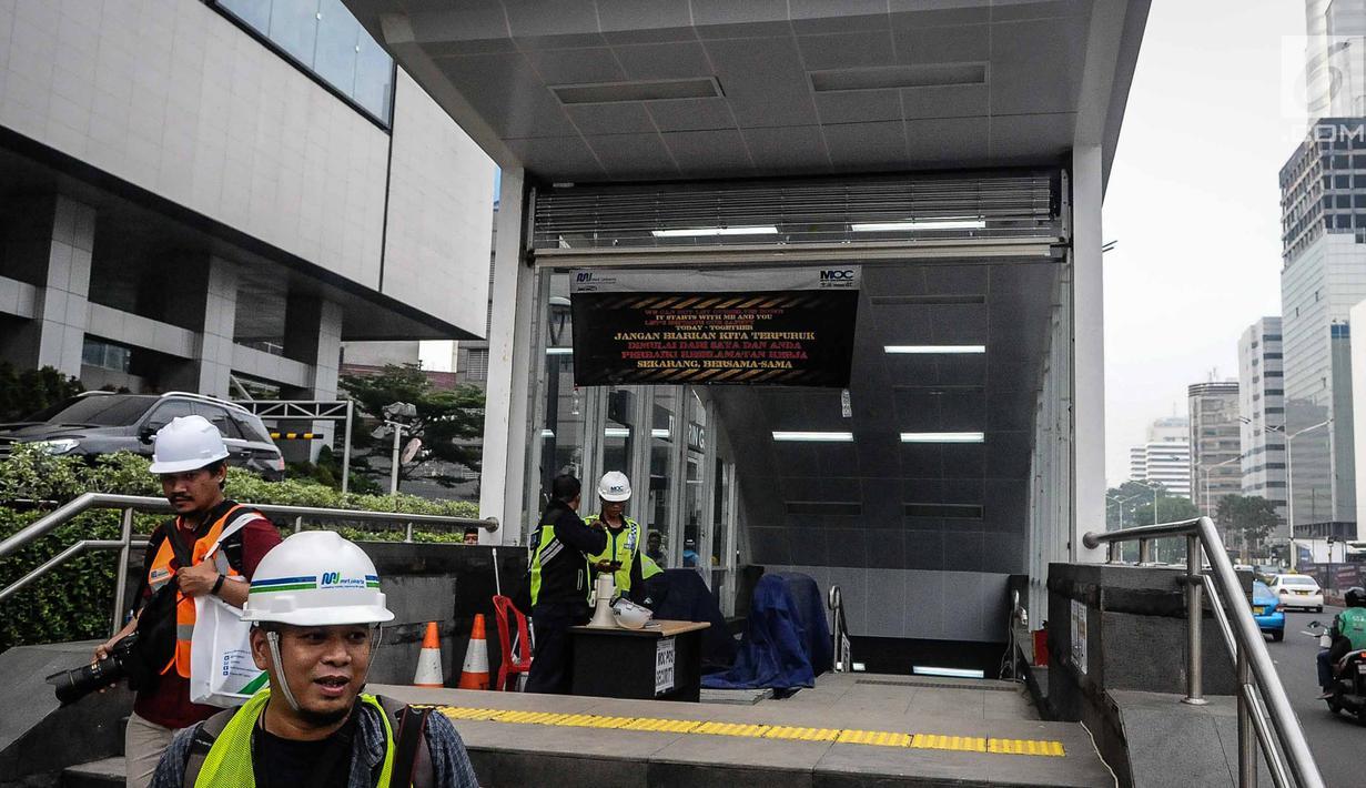 Pintu Masuk Stasiun Bundaran HI (Sumber : Liputan6)