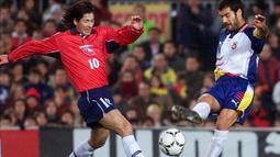 Pep Guardiola membela Brescia dalam dua kali kesempatan. Musim 2001-2002 dan 2003. Guardiola tidak banyak mendapat kesempatan bermain saat membela Brescia. (www.squawka.com)