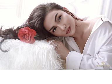 Ariel Tatum merupakan salah satu artis muda Indonesia. Penampilan gadis yang masih berumur 21 tahun ini kerap mendapat komentar tentang penampilannya. Sebagian besar warganet menganggap penampilan Ariel terlalu tua. (Foto: instagram.com/arieltatum)
