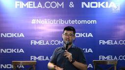 Perwakilan Nokia, Tony memberi keterangan saat acara #Nokiatributetomom yang diselenggarakan Fimela.com dan Nokia di Kota Kasablanka, Jakarta, Minggu (27/5). Pihak Nokia memperkenalkan produk terbarunya. (Liputan6.com/Helmi Fithriansyah)