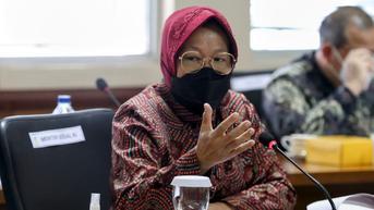 Risma Lanjutkan Bansos Bagi Terdampak Pandemi Covid-19 di Tahun 2022