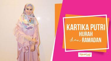 KAPANLAGI.COM - Hai KLovers, Usai putuskan berhijab beberapa waktu lalu, Kartika Putri berbagi cerita soal Ramadan pertamanya. Hijrahnya tak hanya membawa berkah untuk diri sendiri, namun juga untuk keluarga.  Simak terus video terupdate dari duni...