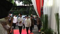 Presiden Jokowi menghadiri undangan buka puasa bersama di rumah Ketua MPR Zulikifli Hasan, Jumat (10/5/2019). (Liputan6.com/ Lizsa Egeham)