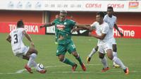 PSS Sleman terancam tak bisa menggunakan jasa Cristian Gonzales. (Bola.com/Ronald Seger)