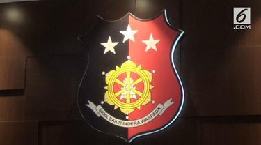 Kapolda Jawa Timur Irjen Luki Hermawan mengungkapkan kabar mengejutkan. Ia menyebut, dua finalis Puteri Indonesia terlibat dalam prostitusi online.