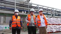 Wakil Menteri Pertanian (Wamentan) RI, Harvick Hasnul Qolbi mengunjungi Petrokimia Gresik (dok: humas)