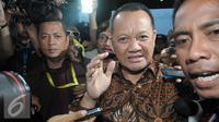 Sekretaris Mahkamah Agung (MA) Nurhadi Abdurrachman usai memenuhi panggilan KPK di gedung KPK, Jakarta, Selasa (24/5). Nurhadi sempat mangkir dari panggilan KPK untuk diperiksa sebagai saksi. (Liputan6.com/Helmi Afandi)