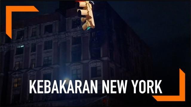 Kebakaran hebat melanda sebuah aparteman di Harlem, New York, AS. Sebanyak enam warga dinyatakan tewas dalam kejadian.