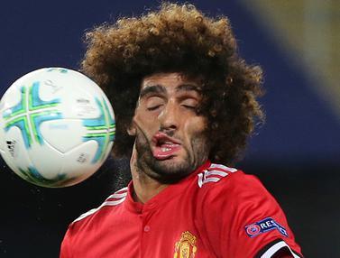 Mimik Fellaini Saat Wajahnya Dihajar Bola Jadi Viral