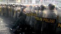 Polisi menggelar simulasi besar-besaran di berbagai tempat menjelang pemilihan Presiden Juli mendatang.