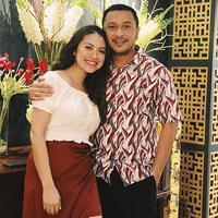 Giring Ganesha dan Cynthia Riza bernostalgia di Bali (Instagram/cynthiaganesha)
