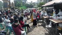 Sebanyak 50 wisatawan reaktif setelah menjalani rapid tes di kawasan Puncak Bogor (Achmad Sudarno/Liputan6.com).