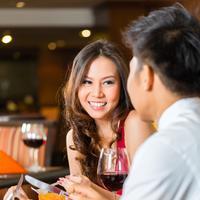 Jatuh cinta pada sahabat sendiri?/Copyright shutterstock.com
