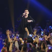 The Script manggung di Top 3 Road to Grand Final Indonesian Idol semalam. (Nurwahyunan/Bintang.com)