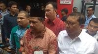 Wakil Ketua DPR Fahri Hamzah dan Fadli Zon usai menjenguk Ahmad Dhani. (Merdeka.com/Nur Habibie)