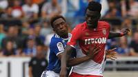 6. Benoit Badiashile (AS Monaco) - Benoit Badiashile merupakan pemain berbakat yang dimiliki AS Monaco saat ini. Awal musim ini, Benoit Badiashile sudah bermain selama 1.907 menit bersama Monaco.(AFP/Frederick Florin)