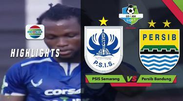 Striker PSIS Semarang, Ibrahim Conteh, gagal memanfaatkan peluang saat menghadapi Persib Bandung dalam lanjutan Gojek Liga 1 2018 bersama Bukalapak.