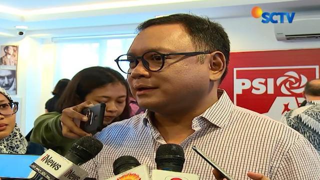 Pakar industri digital Daniel Tumiwa mengatakan, pengguna Facebook di Indonesia seharusnya cemas karena tidak ada tindakan tegas dari pemerintah kepada Facebook.