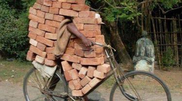 Bikin Bengong, 7 Potret Tak Biasa Orang Bawa Kendaraan