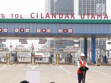 Presiden Joko Widodo memberikan sambutan saat peresmian jalan tol Depok - Antasari seksi 1 di Jakarta, Kamis (27/9). Jokowi meresmikan Jalan tol Depok-Antasari seksi 1 yakni ruas Antasari-Brigif sepanjang 5,8 km. (Liputan6.com/Herman Zakharia)
