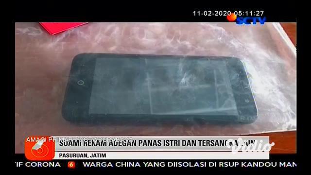 Seorang pria di Pasuruan, Jawa Timur diringkus polisi karena tega menjual istrinya kepada sejumlah rekan prianya sebagai PSK, dengan tarif Rp. 50 ribu sekali kencan. Aksi bejat itu dilakukan tersangka karena sakit hati dan sering diejek istrinya.