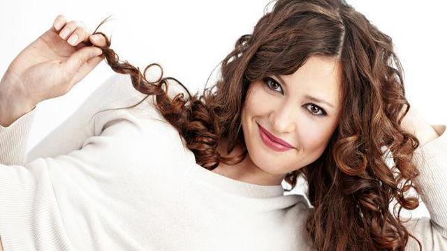 Ternyata Begini Cara Yang Benar Merawat Rambut Ikal Fashion Beauty Liputan6 Com
