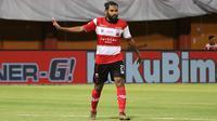 Fandry Imbiri, pemain Madura United di Liga 1 2019. (Bola.com/Aditya Wany)