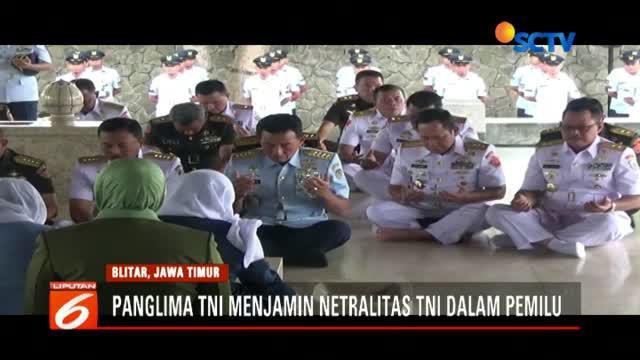 Marsekal Hadi Tjahjanto menyatakan anggota TNI yang tidak netral dalam Pemilu 2019 akan diberi sanksi, seperti penundaan sekolah hingga kenaikan pangkat.