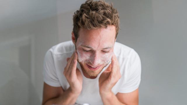 8 Cara Merawat Kulit Wajah Pria Agar Tidak Kusam Hot Liputan6 Com