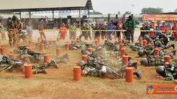Lomba Halang Rintang yang digelar di lapangan HR Brigif-2 Marinir, Bhumi Marinir Cilandak, Jakarta Selatan, Minggu (2/10) dimenangkan oleh Yonif-4 Marinir.