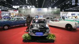 Sejumlah mobil klasik terlihat di Bangkok International Motor Show ke-41 di Bangkok, Thailand, pada 16 Juli 2020. Bangkok International Motor Show ke-41 dimulai pada 15 Juli dan akan berlangsung hingga 26 Juli di Bangkok. (Xinhua/Zhang Keren)