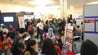 Bursa kerja bertema Career and Higher Education Fair Oktober 2014 ini juga bekerjasama dengan Dinas Tenaga Kerja & Transmigrasi Jakarta.
