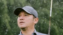 Selain hobi otomotif, ia pun belakangan kerap mengunggah aktivitasnya saat bermain golf. Golf menjadi salah satu olahraga yang banyak digemari selebriti, ia pun kerap bermain golf bersama artis lainnya maupun bersama dengan ayahnya. (Liputan6.com/IG/@gadiiing)