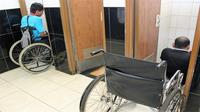 Pemudik disabilitas sulit akses toilet di Rest Area KM 39 Cikarang. (Dok MRAD)