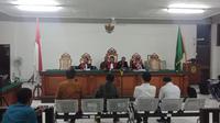 Empat terdakwa suap perizinan proyek Meikarta memberikan keterangan di Pengadilan Tipikor Bandung. (Huyogo Simbolon)