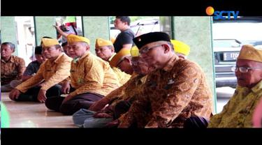 Aksi tersebut dilakukan sebagai bentuk protes atas ketidakpedulian pemerintah Jombang terhadap nasib para pejuang.