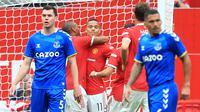 Manchester United tak membutuhkan waktu lama untuk membuka keunggulan. Pada menit kedelapan, Mason Greenwood berhasil mencetak gol setelah melepaskan tembakan ke tengah gawang Everton. (Foto: AFP/Lindsey Parnaby)
