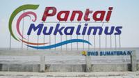 Pantai Muka Limus, Kelurahan Sawang, Kecamatan Kundur Barat, Tanjung Balai Karimun.