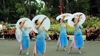 Festival Lintas Budaya di Surabaya diramaikan penari-penari lintas daerah dan negara (Liputan6.com / Dian Kurniawan)